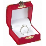 Diana's Clip Ring Box: Red