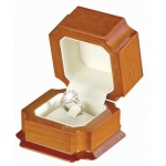 Clip Ring Box: Mahogany/White