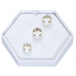 7-Rings Hexagon Display: White Leather