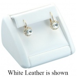 1 Pair Earring Clip Display: Off-White Leather